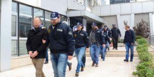 Rüşvet aldıkları iddia edilen 12'si polis 27 kişi gözaltına alındı