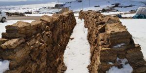 """2 bin 300 rakımlı Kışkılı köyünün tek yakacağı """"tezek"""""""