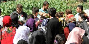 Bursalılar Kutlu Doğum etkinliğine güllerle davet edildi