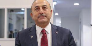 Çavuşoğlu'ndan ABD'nin YPG'ye ağır silah verme kararına tepki