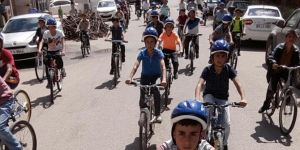 Diyarbakır Bismil'de öğrenciler bisiklet sürerek stres attılar