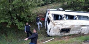 Elazığ'da minibüs devrildi: 7 yaralı