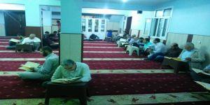 Kadir Gecesi Çınar'da dua ve zikirlerle ihya edildi
