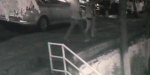 Diyarbakır'da genç kızın kapkaça uğraması güvenlik kamerasına yansıdı