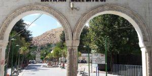 Siirt Baykan Kaymakamı Mehmet Kocabey'in aracına bombalı saldırı