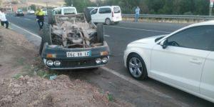 Diyarbakır Çarıklı'da yaşanan kazada araç takla attı