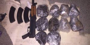 Van'da uyuşturucu ve silah ele geçirildi