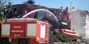 Bingöl Belediyesi 70 metruk yapıyı yıktı