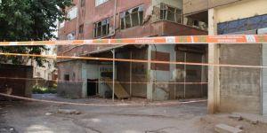 Diyarbakır Şehitlik'te kolonları patlayan apartmanın sakinleri yardım bekliyor