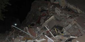 Diyarbakır Şehitlik Mahallesinde tahliye edilen bina çöktü