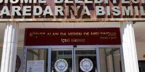 """Bismil Belediyesine """"Rüşvet alan da veren de melundur"""" hadisi asıldı"""