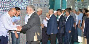 HÜDA PAR Genel Başkanı Yapıcıoğlu halkla bayramlaştı