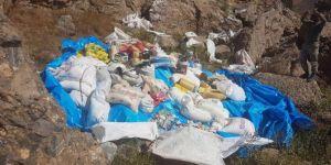 Tunceli Nizamiye'de 3 ayrı sığınakta çok miktarda yaşam malzemesi ele geçirildi