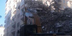 Diyarbakır Bağlar'da daha önce kolonu patlayan Dilşad Apartmanı yıkılıyor