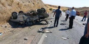 Adıyaman Kâhta'da otomobil ile minibüs çarpıştı: 1 ölü