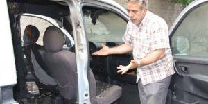 Diyarbakır'da kundaklanan aracını son anda tamamen yanmaktan kurtardı