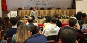 Van Büyükşehir Belediyesinden eğitimcilere atık pil semineri
