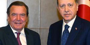Almanya eski başbakanı Schröder gizli görevle Erdoğan'la görüştü!