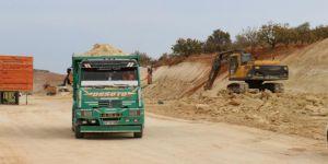 Ölümlü kazaların yaşandığı Gaziantep-Nizip yolunda genişletme çalışmaları devam ediyor