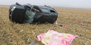 Diyarbakır Bismil'de takla atan hafif ticari araç sürücüsü hayatını kaybetti