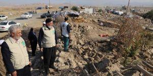 Umut Kervanı İran'da deprem bölgesinde incelemelerde bulundu
