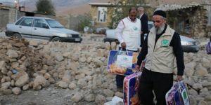 Kerwana Umûdê li Kurdistana Îranê ji bi hezaran malbatên depremzede re alîkarî belav kir