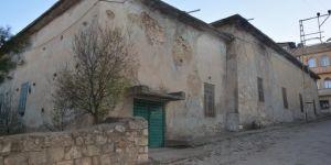 Yıkılmaya yüz tutmuş tarihi cami restore edilmeyi bekliyor
