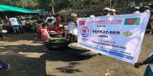 Çınar Şefkat Der Arakanlı Müslümanlara sıcak yemek dağıttı