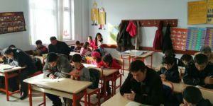 Çocuklarıyla okuma etkinliğine katıldılar