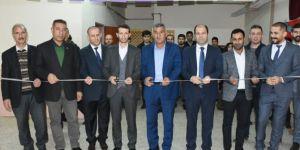 Hilvan'da köy okuluna tiyatro salonu açıldı