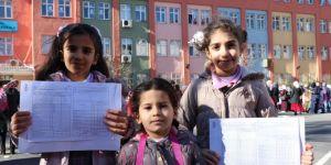 İstanbul Zeytinburnunda miniklerin karne heyecanı