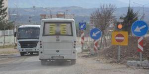 Batman Kozluk'ta trafiğe açılmayan yol kazalara neden oluyor