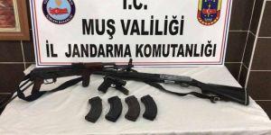 Muş Malazgirt'te çok sayıda silah ve mühimmat ele geçirildi