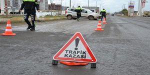 Bayburt'ta iki araç menfez çukuruna düştü: 6 ölü