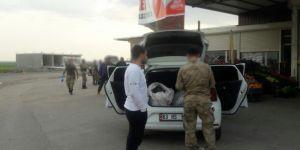 Çınar'da yol kontrolünde esrar ele geçirildi: 3 gözaltı