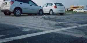 Bismil'de anayola kontrolsüz çıkan araç kaza yaptı: 5 yaralı
