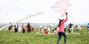 Diyarbakır 'da öğrencilerin uçurtma sevinci