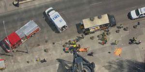 Kanada'da araç yayaların arasına daldı: 9 ölü 16 yaralı