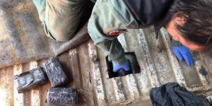 Van Edremit'te aracın yakıt deposundan 47 kilo eroin çıktı