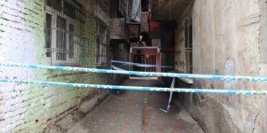 Diyarbakır'da çökme tehlikesi olan aparman boşaltıldı