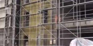 Diyarbakır'da inşaat iskelesi çöktü: biri ağır 5 yaralı