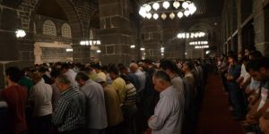 Kadir Gecesinde ümmetin vahdeti için dualar edildi