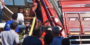 Adıyaman Kahta'da kamyon restorana daldı: 3 ölü