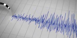 Endonezya'da 5,2'lik deprem