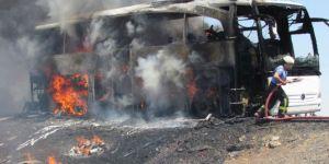 Bursa'da seyir halindeki otobüs alev aldı