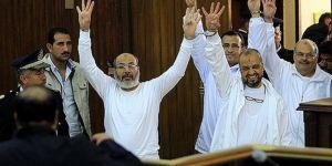 Mısır'daki cunta mahkemesinden 75 kişiye idam cezası