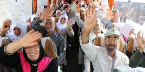 Gaziantep'te hacı adayları dualarla kutsal topraklara uğurlandı