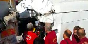Diyarbakır 75 Metre Çevre Yolu'nda panelvan temizlik aracına çarptı: 1 yaralı