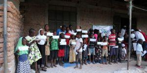 IHO-EBRAR'den Afrikalı yetimlere bayram harçlığı