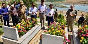 Diyarbakır Valisi Güzeloğlu Tanışık köyünü ziyaret etti